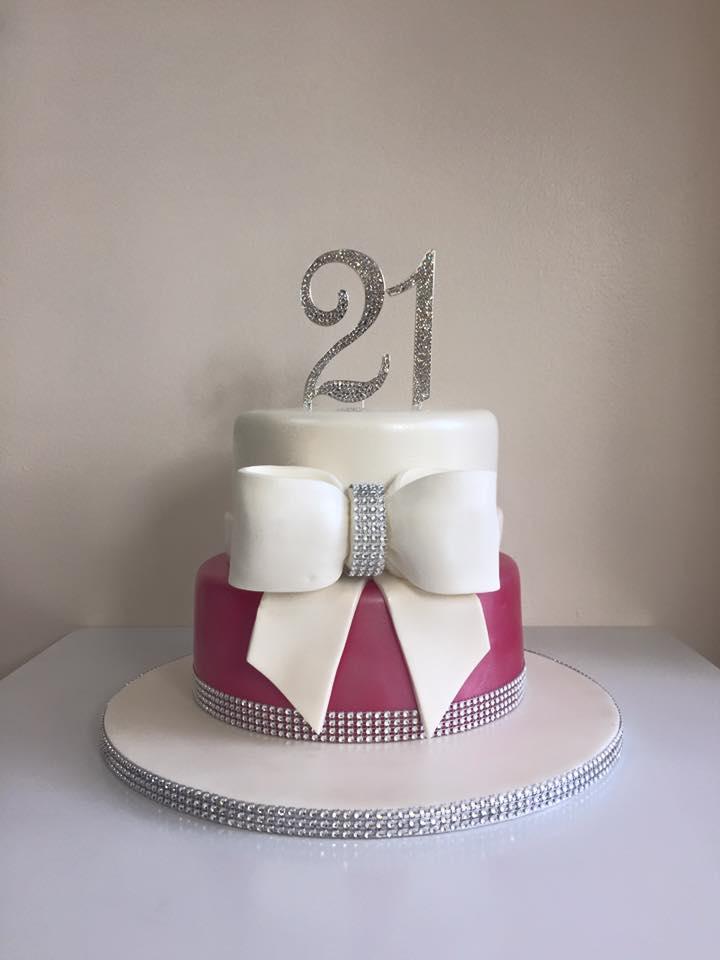 Groovy 21St Birthday Cake Luscious Lovelies Cakes Funny Birthday Cards Online Necthendildamsfinfo