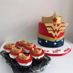 Wonder Woman Cake with matching Cupcakes