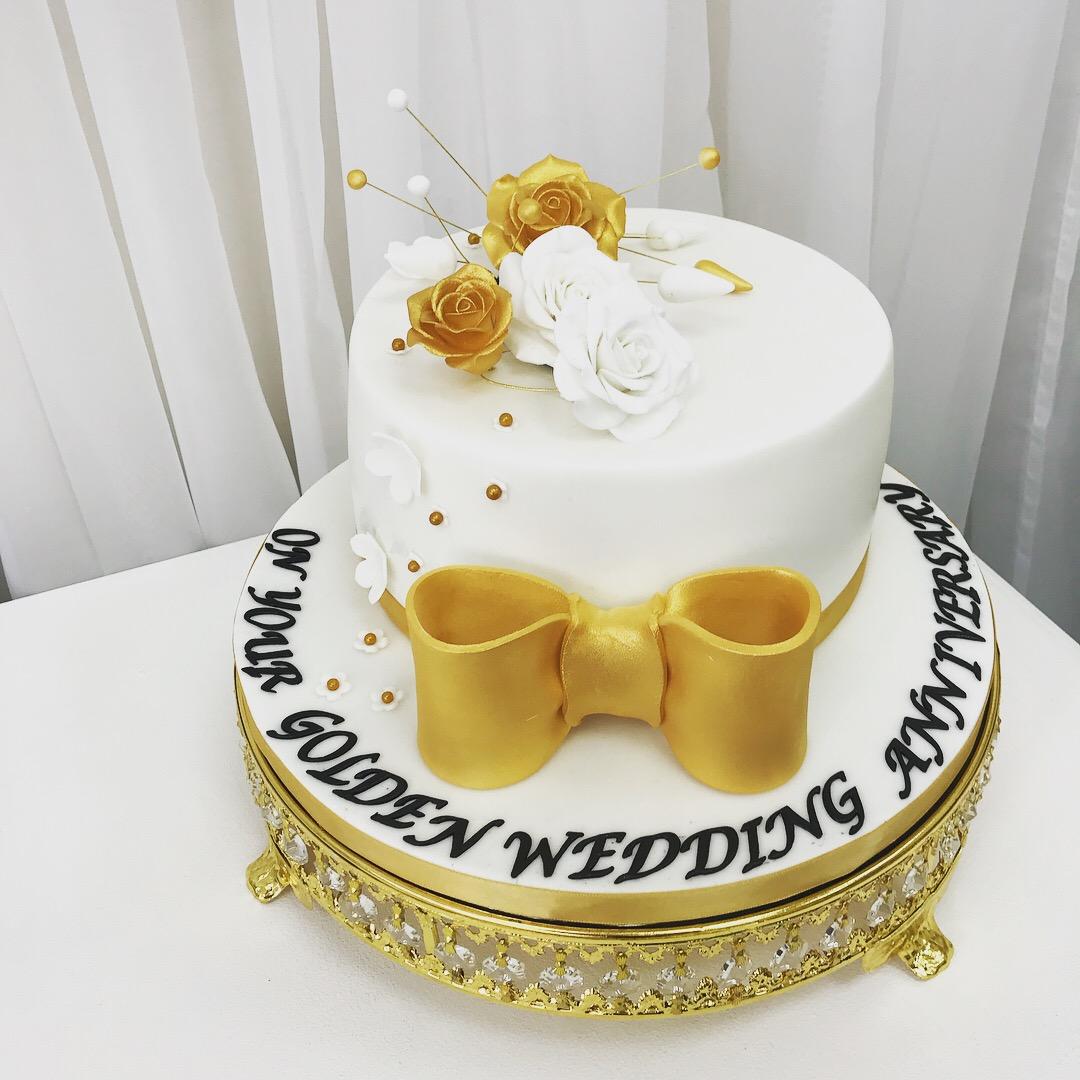 Groovy Celebration Cakes Falkirk Bakers Luscious Lovelies Cakes Personalised Birthday Cards Epsylily Jamesorg