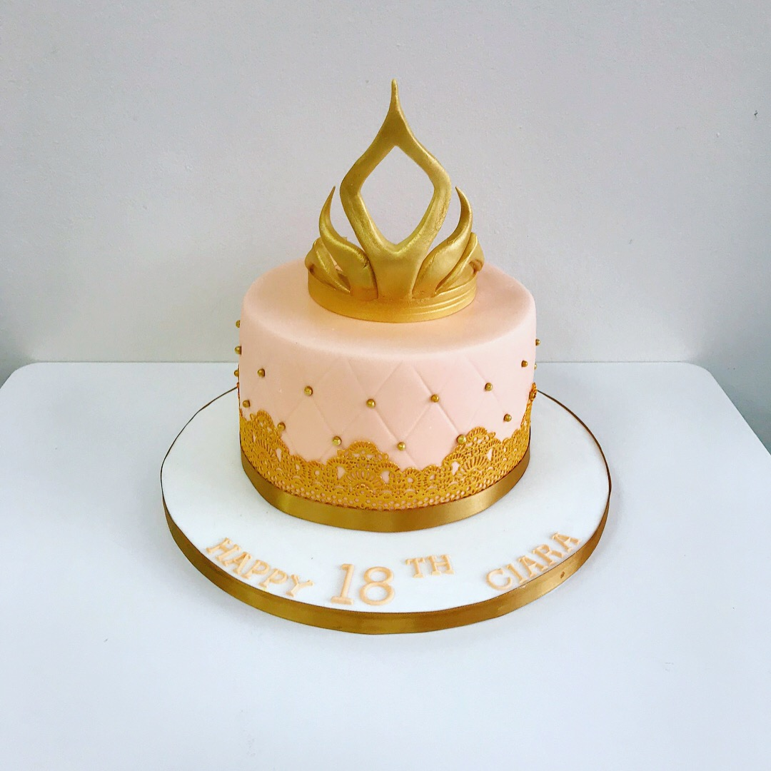 Single Tier Tiara Birthday Cake